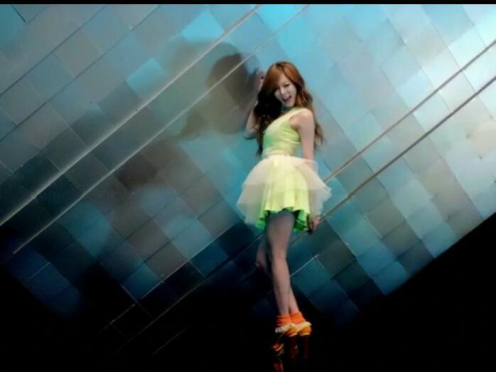 金泫雅、PSY《Gangnam Style》MTV 高清