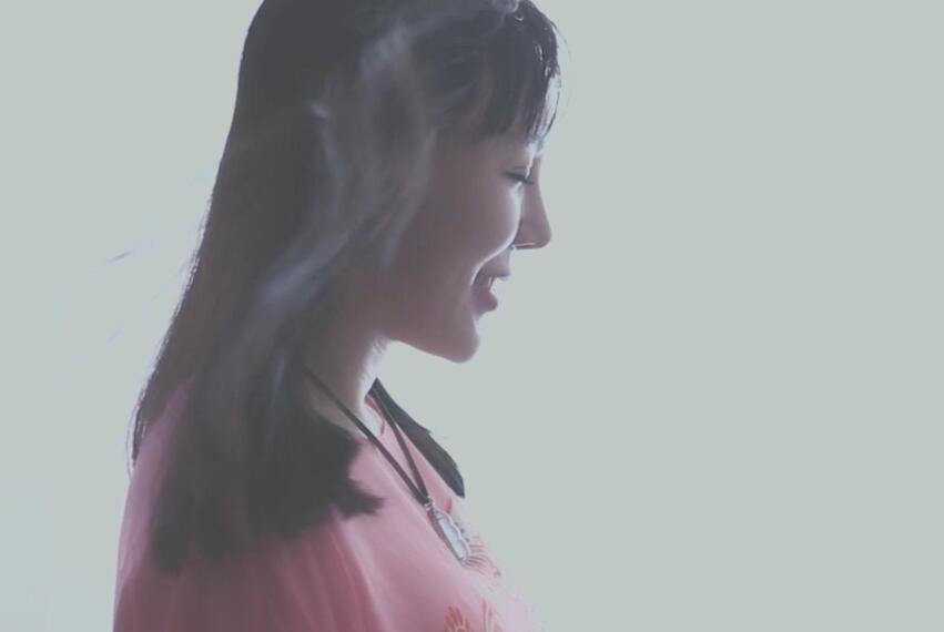 魏新雨《百花香》MTV【720P、1080P高清】 双版本