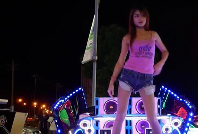 断点 DJ小波 王冕 高清车载 美女DJ 热舞视频下载- 高清mv 超劲爆DJ 车载MTV