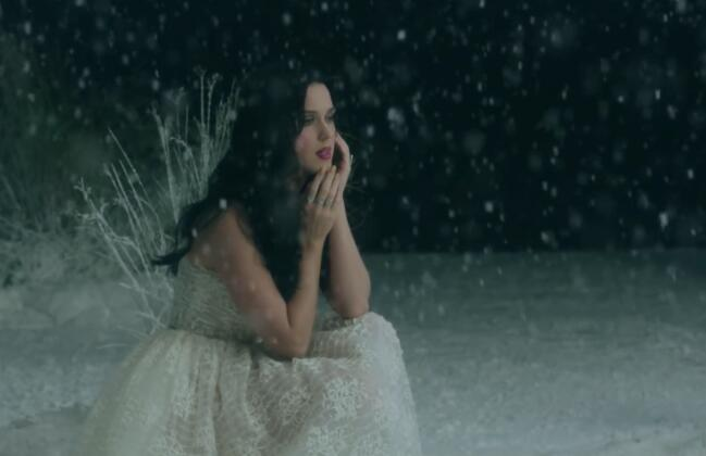 Katy Perry – Unconditionally (Official) 高清MV