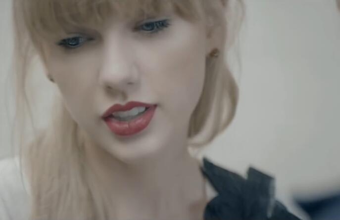 Taylor Swift – Begin Again 720p 高清MV