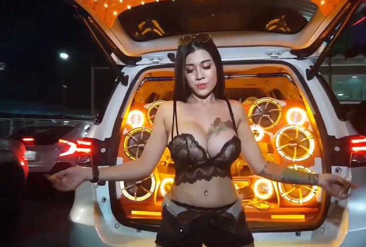 悲伤追我三万里(DJ版) —- 马健涛 720P 高清MV